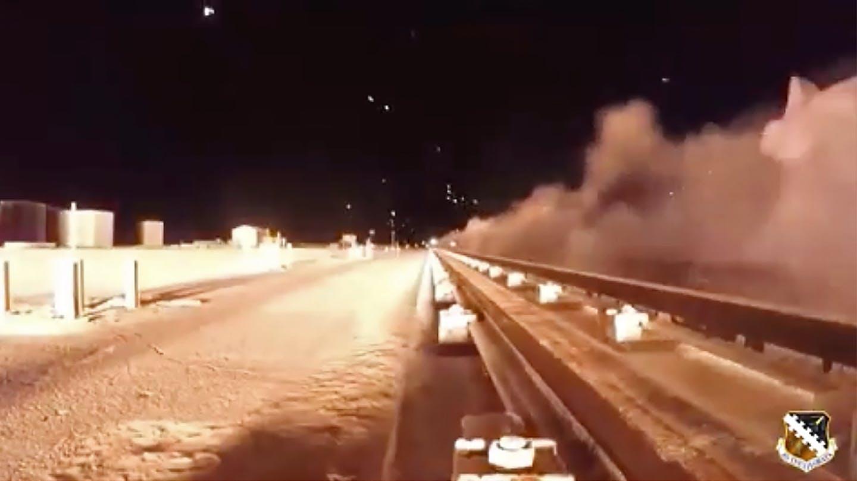 Nagranie amerykañskiego eksperymentu wojskowego. Pojazd porusza siê z prêdko¶ci± ponad 10000 kilometrów na godzinê