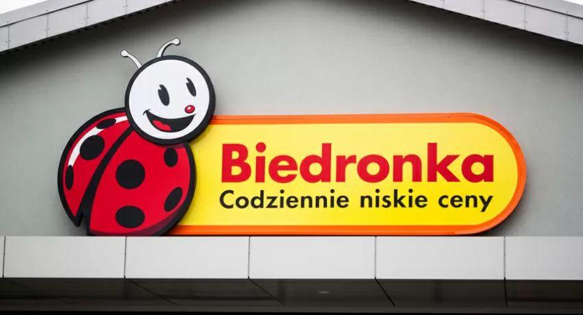 Auchan, Biedronka, Kaufland, Lidl i Netto wyd³u¿aj± godziny otwarcia