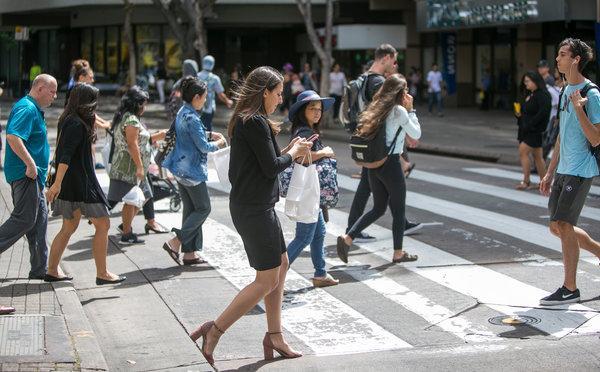 Nowojorczycy bêd± dostawaæ mandaty za u¿ywanie telefonów na przej¶ciach dla pieszych