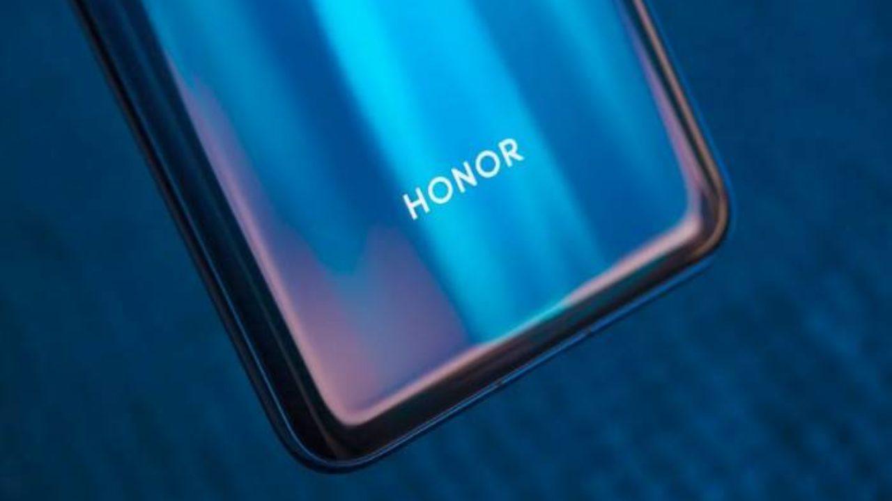 Wyciek³ fragment specyfikacji Honor 30s
