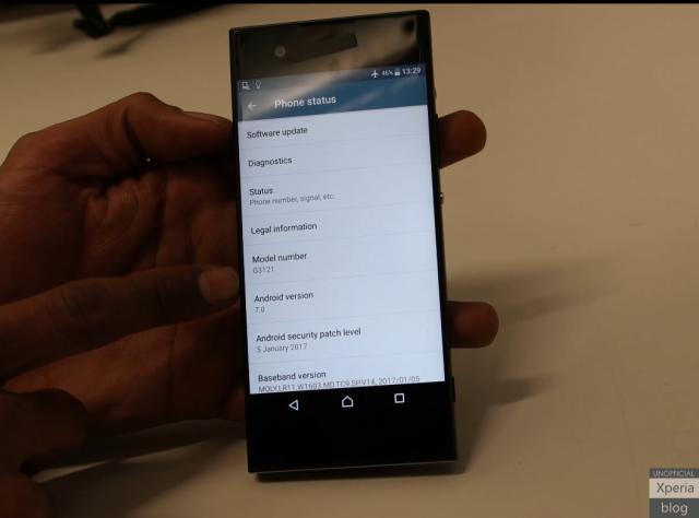 Wideo-ciek na temat Sony G3121