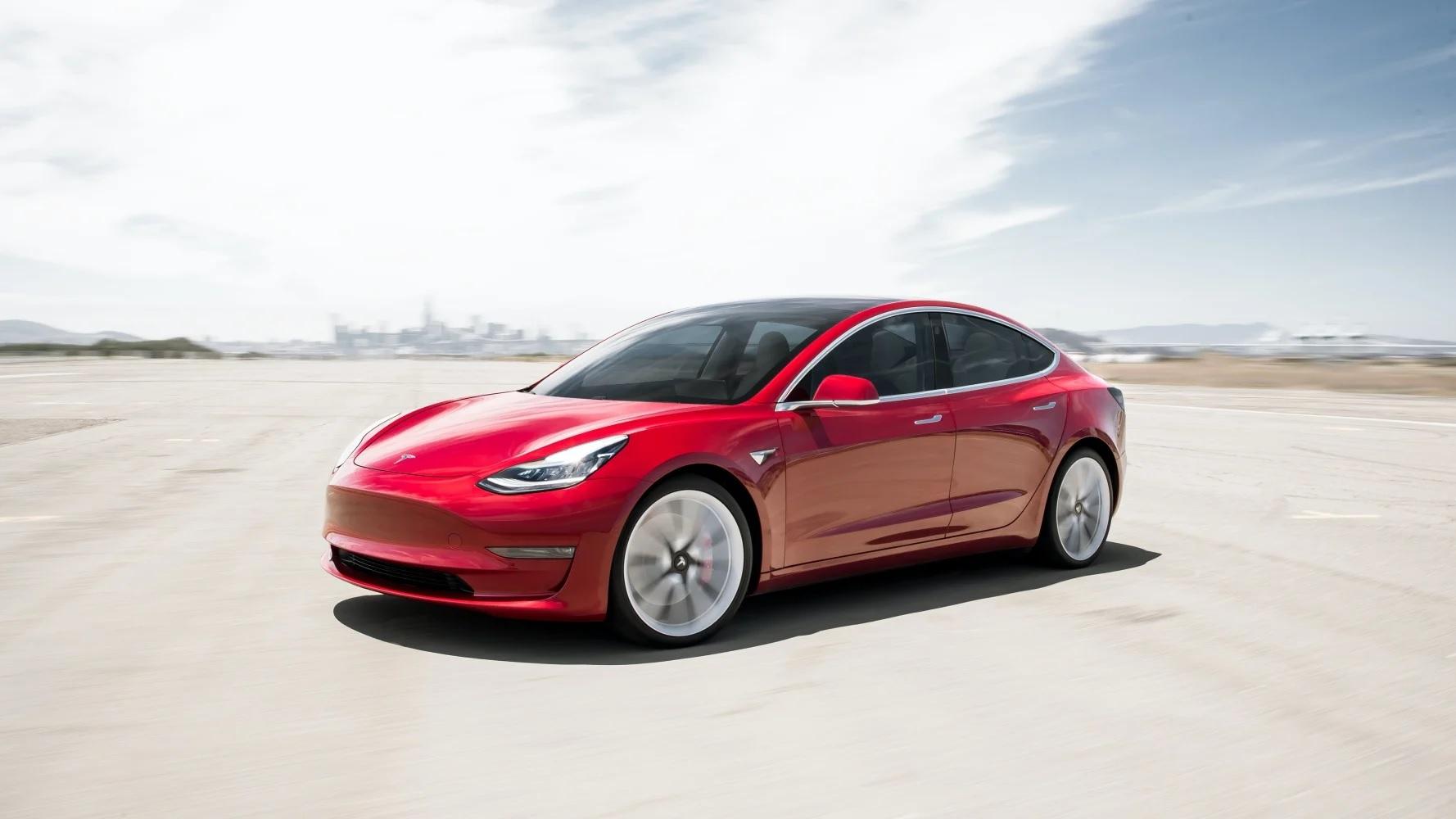 Tesla usuwa Model 3 ze swojej oferty