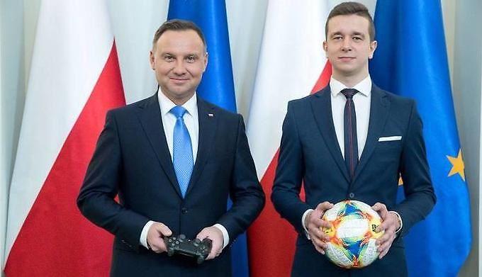 Prezydent Duda powo³a³ Narodow± Dru¿ynê ...