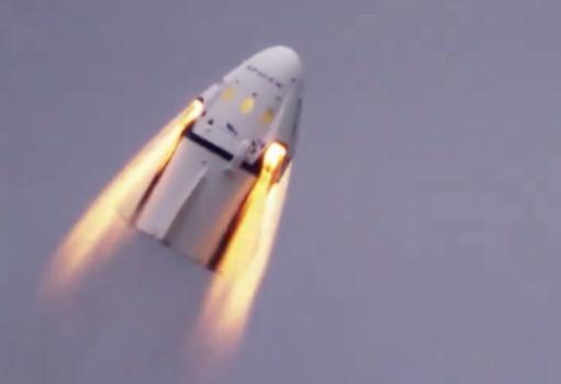 Test kapsu³y ratunkowej SpaceX zakoñczony sukcesem