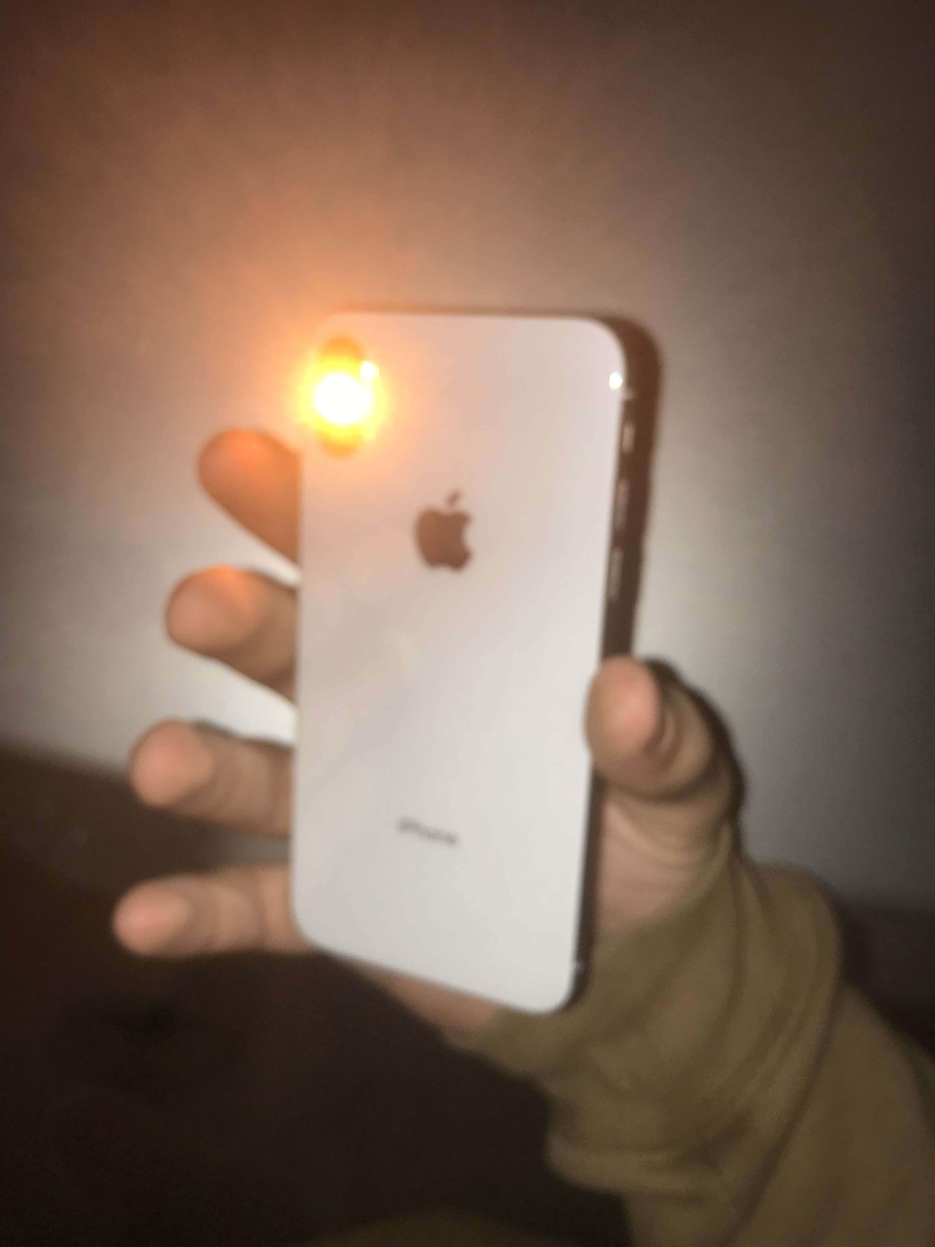 Rosn±ca liczba osób ma k³opot z latark± w iPhonie X i XS
