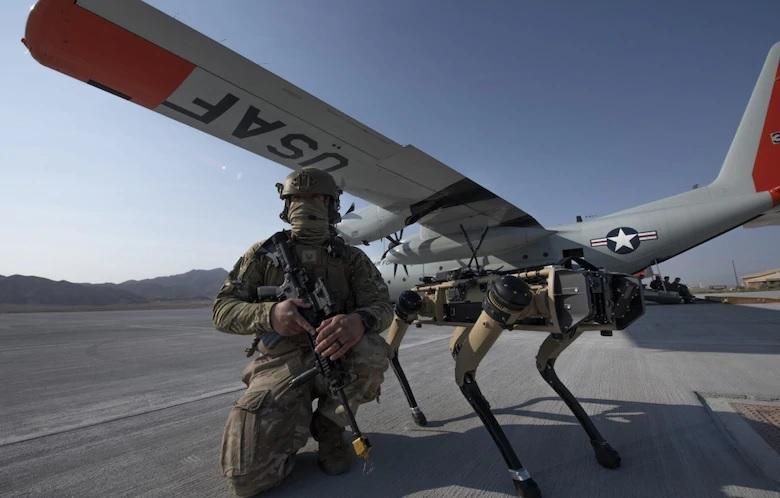 Amerykañska armia trenuje z robopsami