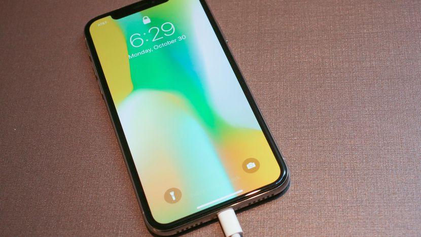 Apple planuje zrezygnowaæ z iPhona X?