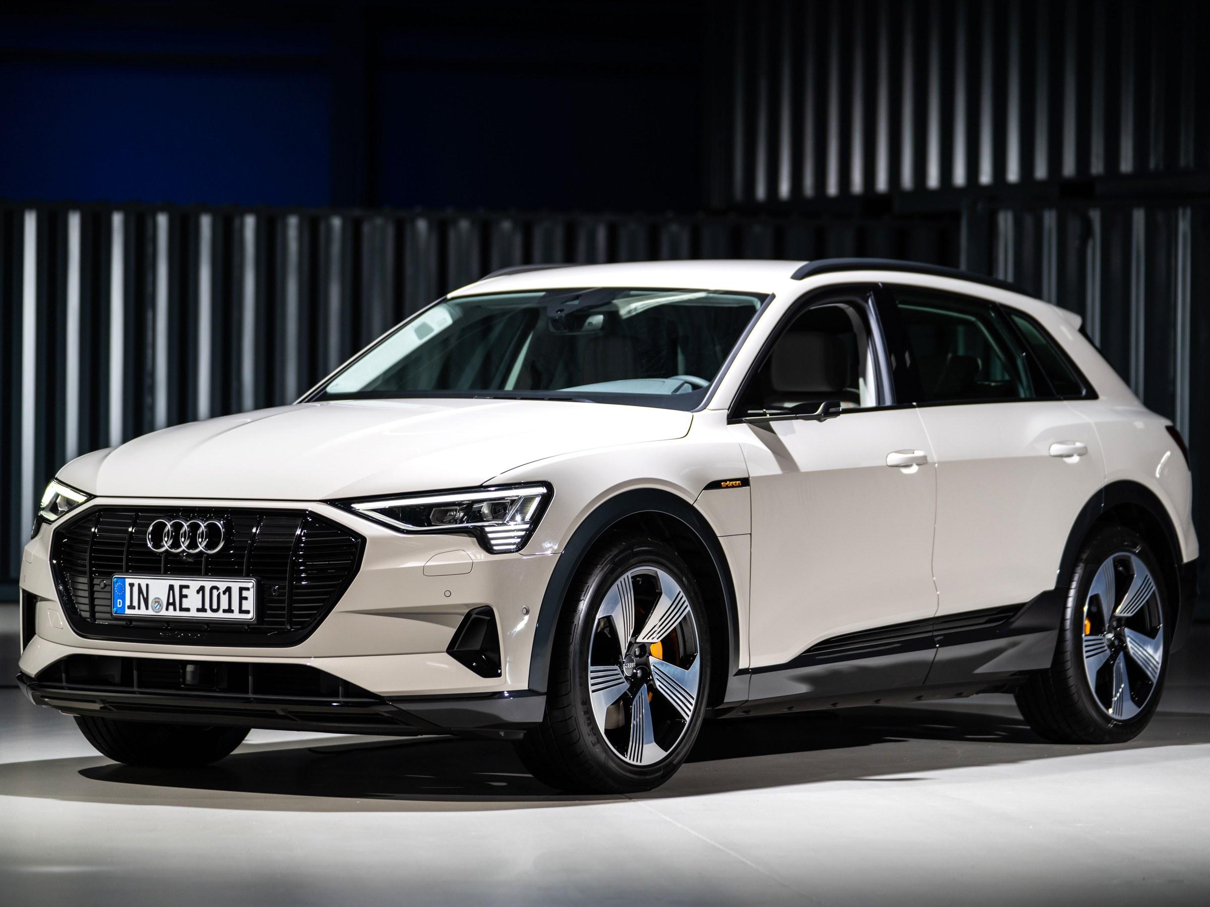 Audi e-tron pierwszym samochodem elektrycznym z wyró¿nieniem za bezpieczeñstwo jazdy