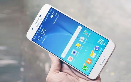 Samsung Galaxy A5 (2018) bêdzie siê nazywa³ Galaxy A8 (2018). £a³. Tyle interesuj±cy, du¿o newsa