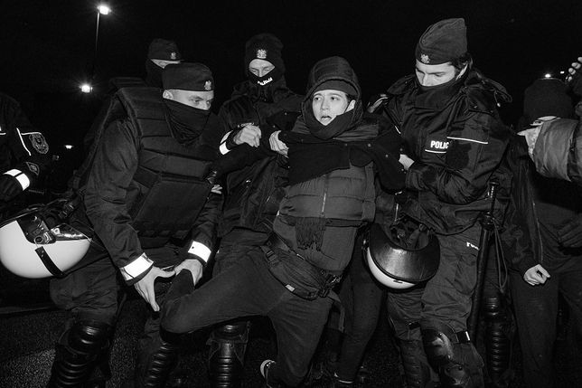 Zdjêcie z warszawskiego strajku kobiet z poniedzia³ku