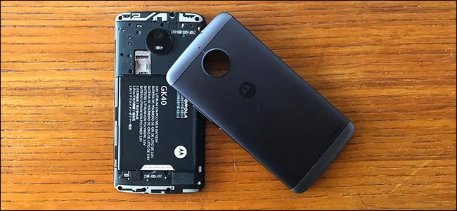Niespodzianka stulecia: u¿ytkownicy smartfonów chc± mieæ opcjê wyjmowania baterii