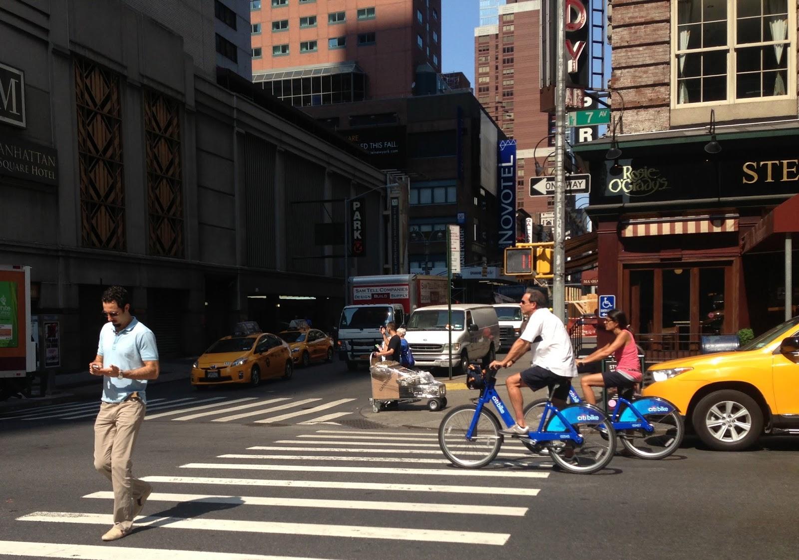 Uwa¿aj jak idziesz, czyli jak jedno z miast USA zabroni³o korzystania z telefonów na przej¶ciach dla pieszych