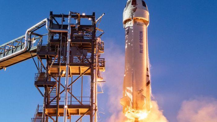 Jeff Bezos polecia³ w kosmos
