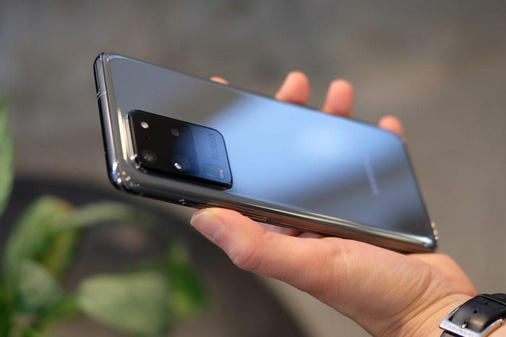 W sieci pojawi³ siê film porównuj±cy ekran 120 Hz Samsunga Galaxy S20 do ekranu 60 Hz