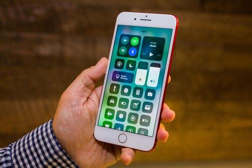 W³a¶nie wyszed³ iOS 11.3. Nowe animoji i inne nowo¶ci