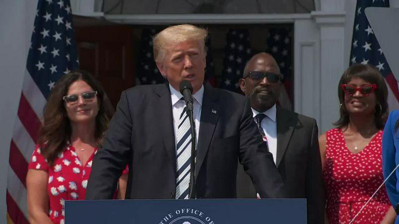 Donald Trump pozywa Facebooka, Google i Twittera