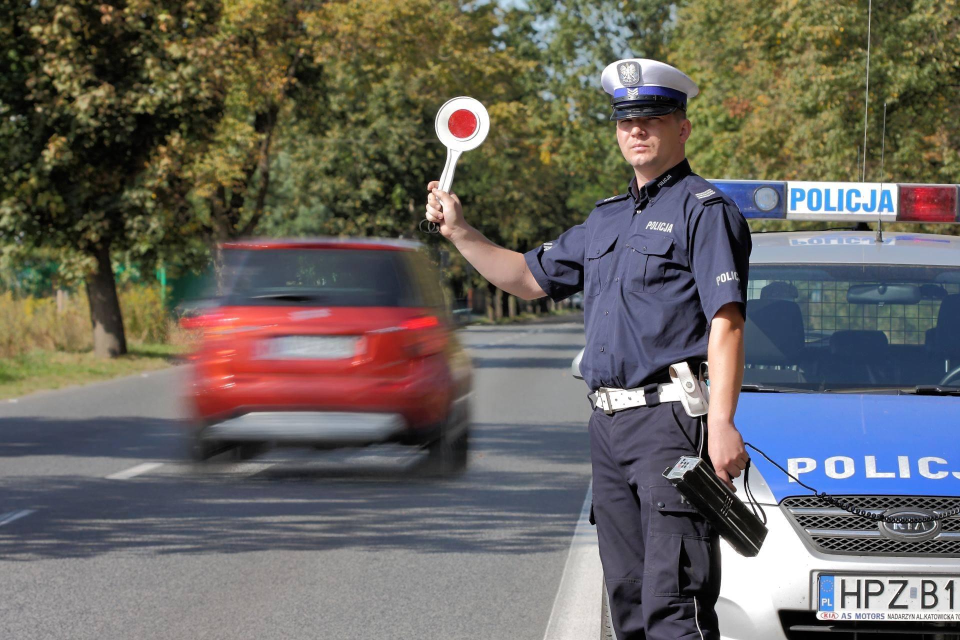 Dzi¶ na polskich drogach masowe kontrole ruchu drogowego