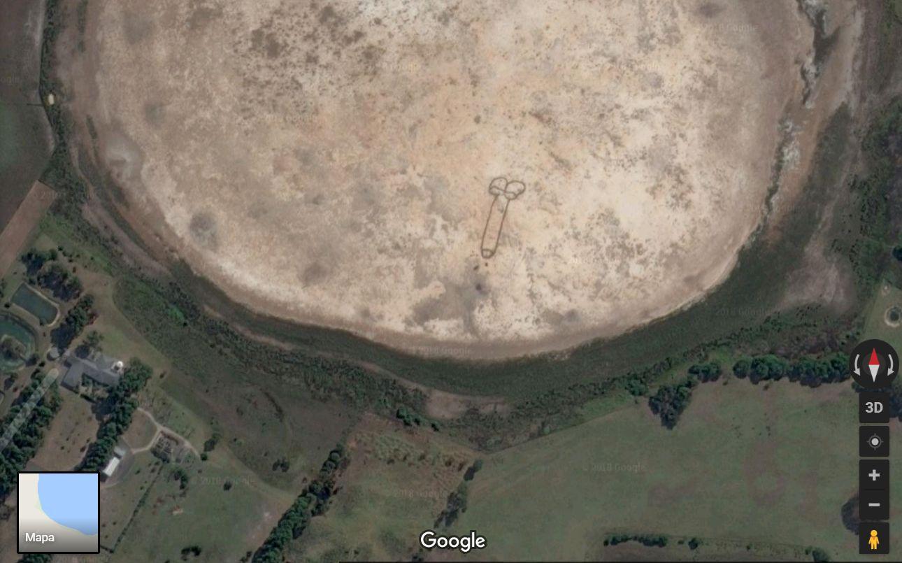 Z ciekawszych wiadomo¶ci, Australia ma teraz penisa tak du¿ego, ¿e widaæ go z kosmosu