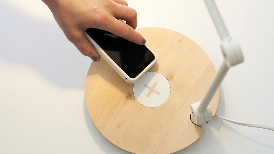 iPhone X prawdopodobnie NIE zostanie wydany razem z bezprzewodowymi ³adowarkami